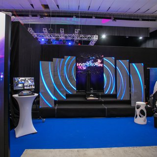 2020 LED postre a hypervsn na event EXPO